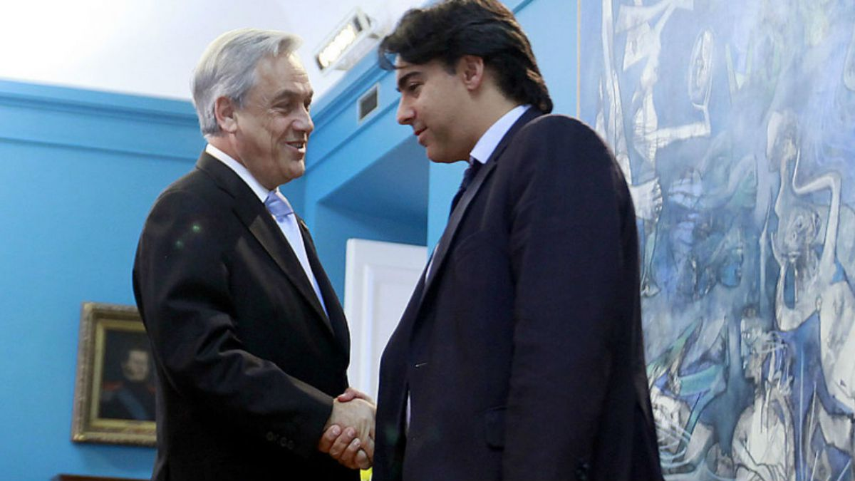 Plaza Pública: Piñera y Enríquez Ominami lideran carrera presidencial