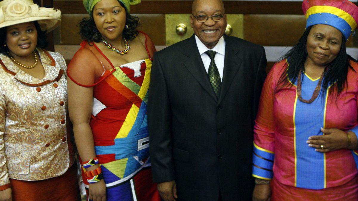 Presidente de Sudáfrica quiere tener una quinta esposa