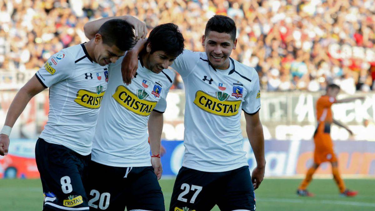 [Minuto a minuto] Colo Colo presenta camiseta para el torneo 2015
