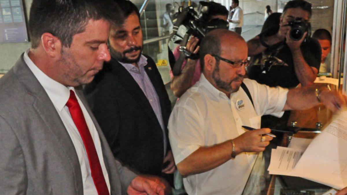 Movilh presenta querella contra pastor Soto y pide 3 años de cárcel