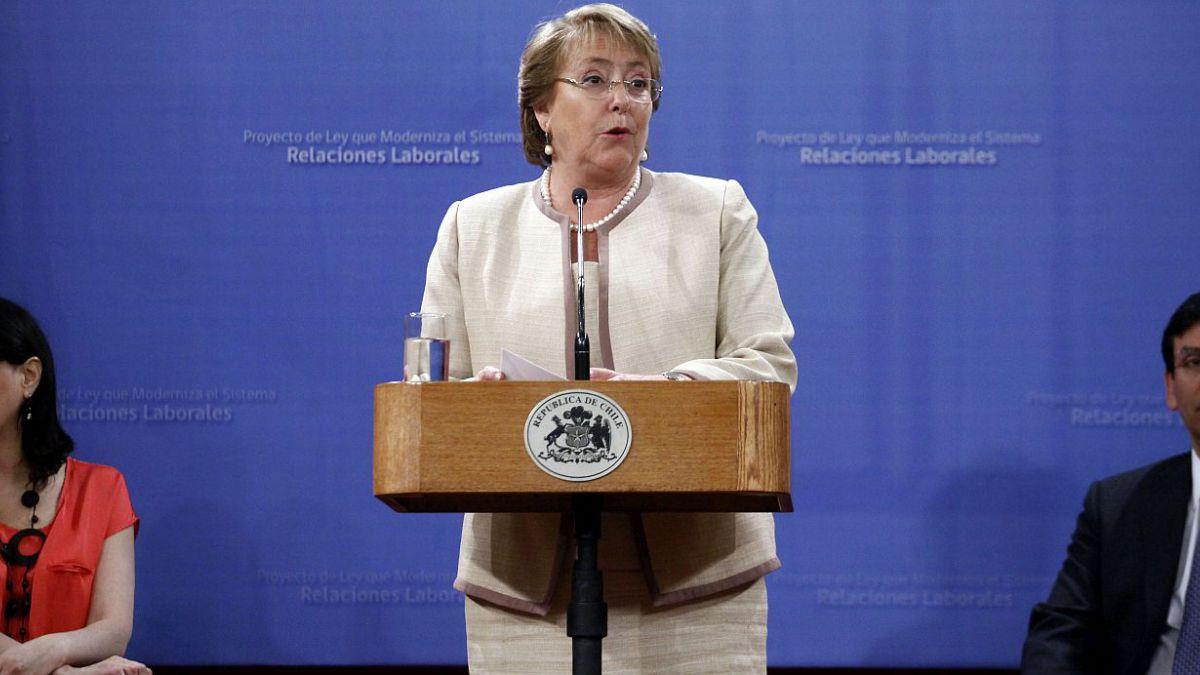 Adimark: Bachelet baja a 40% y obtiene peor evaluación en lo que va del gobierno