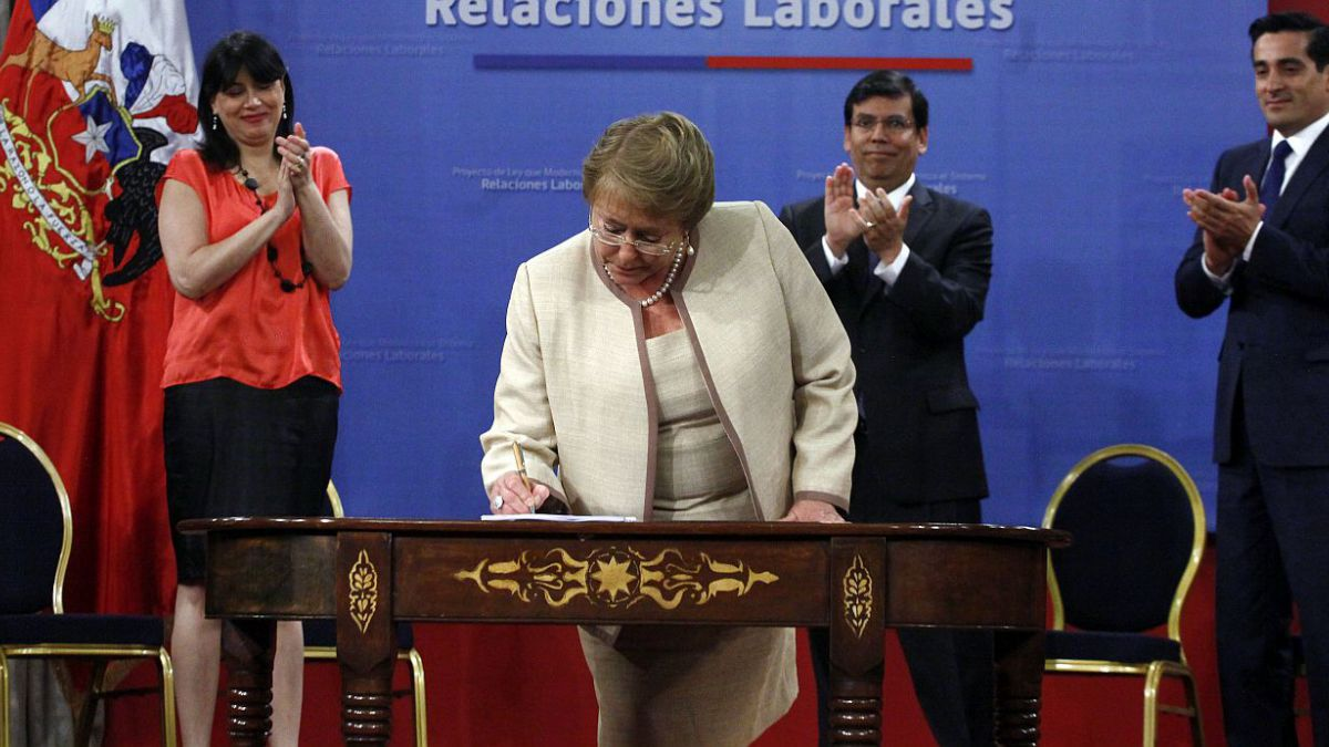 Los 9 ejes de la reforma laboral presentada por Bachelet