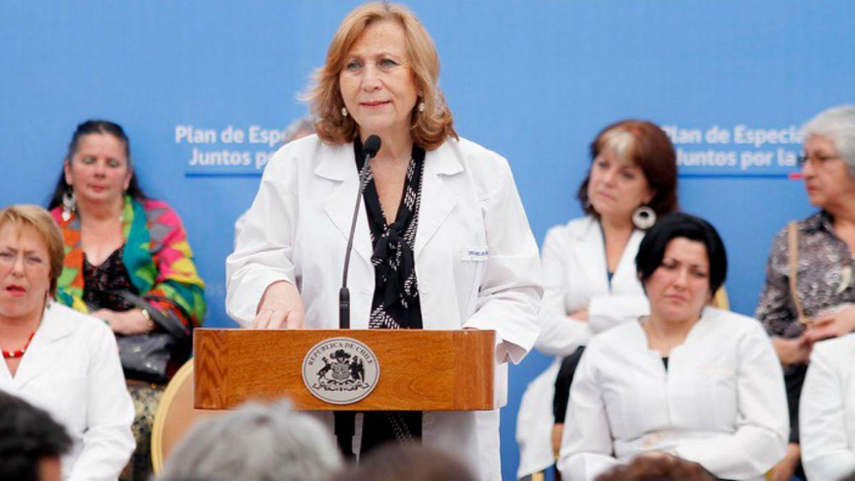 Minsal: Declaración de ministra Molina no representa el pensamiento del gobierno