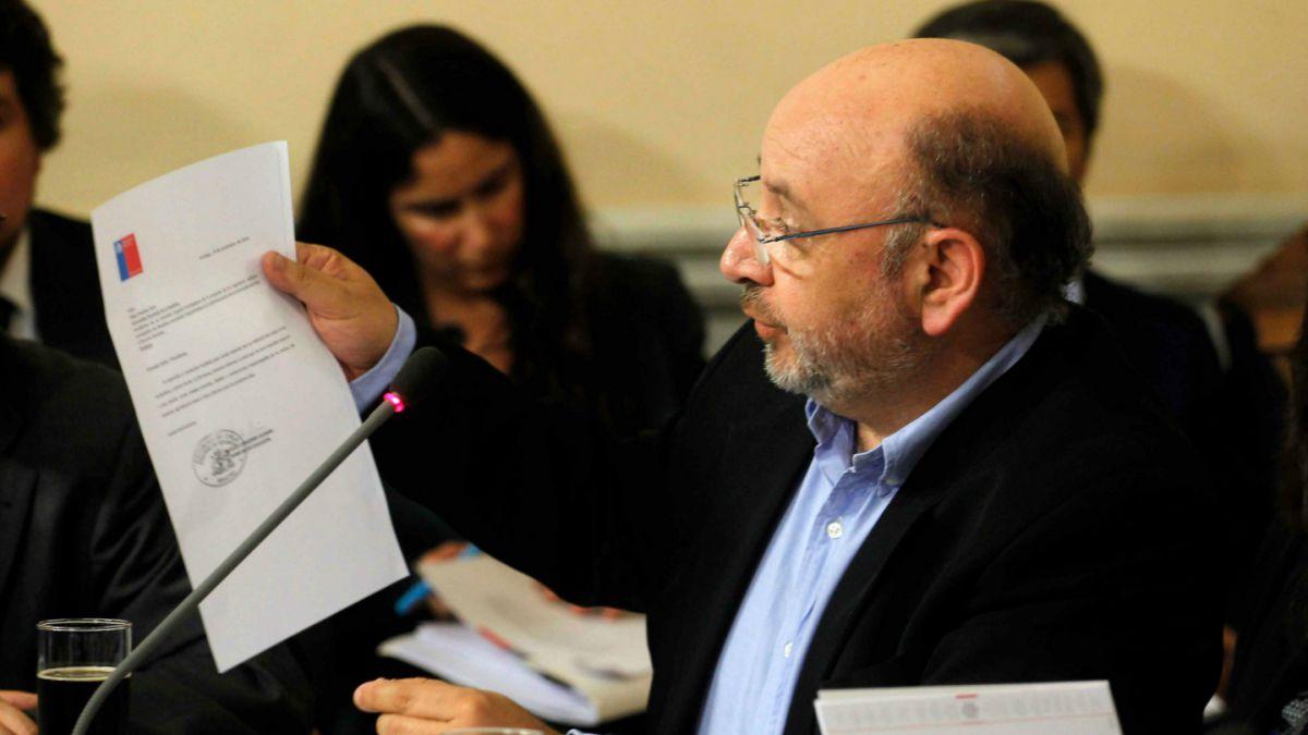 Juan Luis Castro (PS): La secretaría de Comunicaciones tiene un poder desmesurado