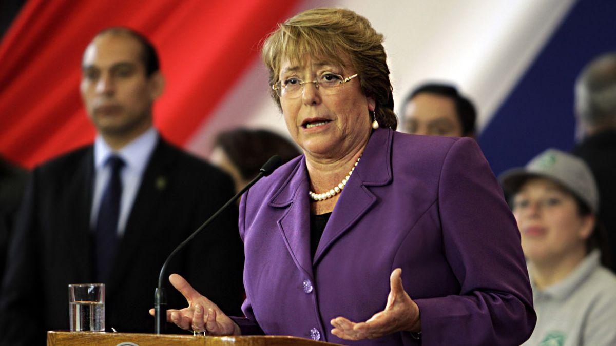 Encuesta CEP: ¿Qué sectores lideran la fuga del apoyo a Bachelet?