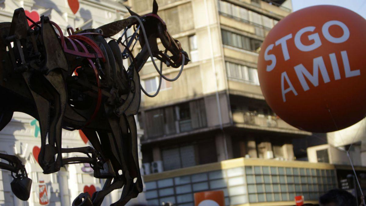 Santiago a Mil: Así ha evolucionado el espectáculo cultural en los últimos 20 años