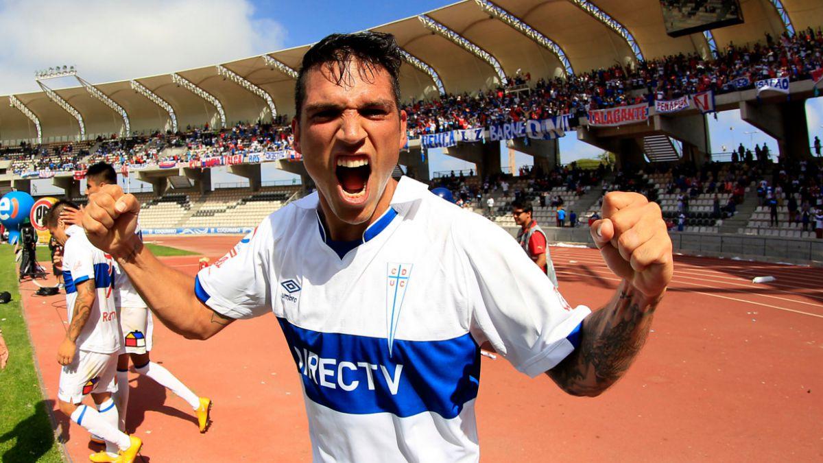 UC y Mario Salas logran trabajado triunfo en debut frente a Deportes Antofagasta