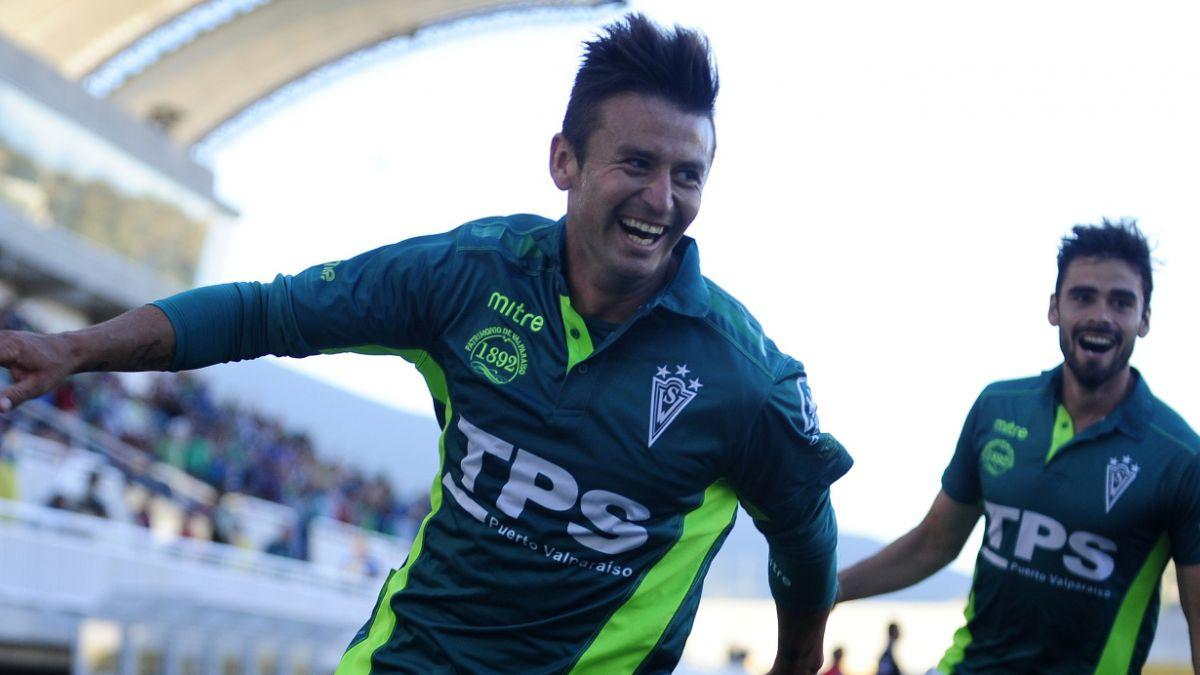 Santiago Wanderers confirma partida de Roberto Gutiérrez