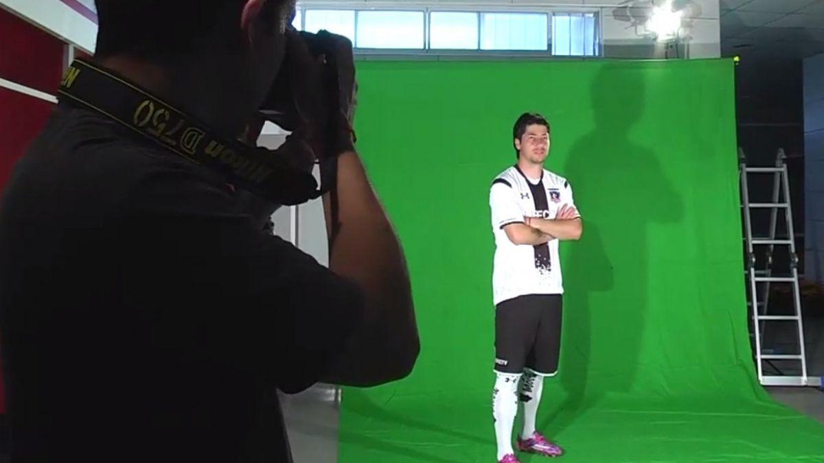 [VIDEO] Así grabó Colo Colo su sesión de fotos y formación para este 2015