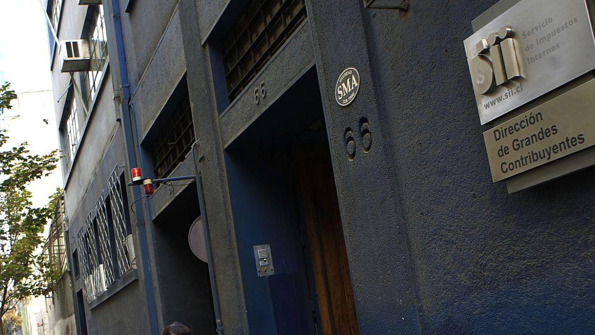 SII presenta denuncia por delito tributario contra  socios fundadores del grupo Penta