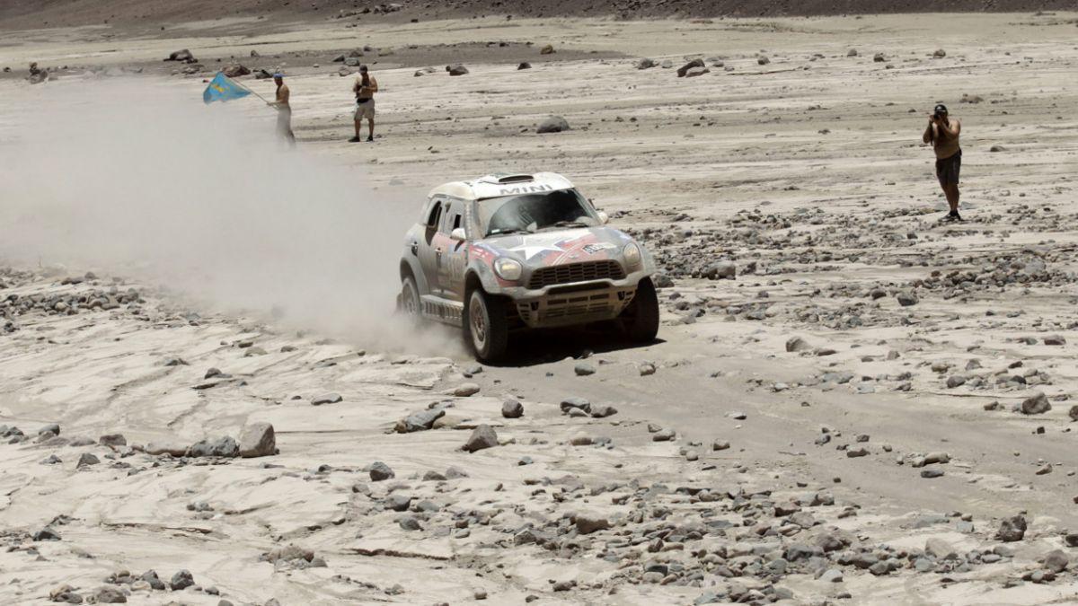 Ministerio del Deporte evaluará viabilidad de realizar el Dakar 2016 en Chile