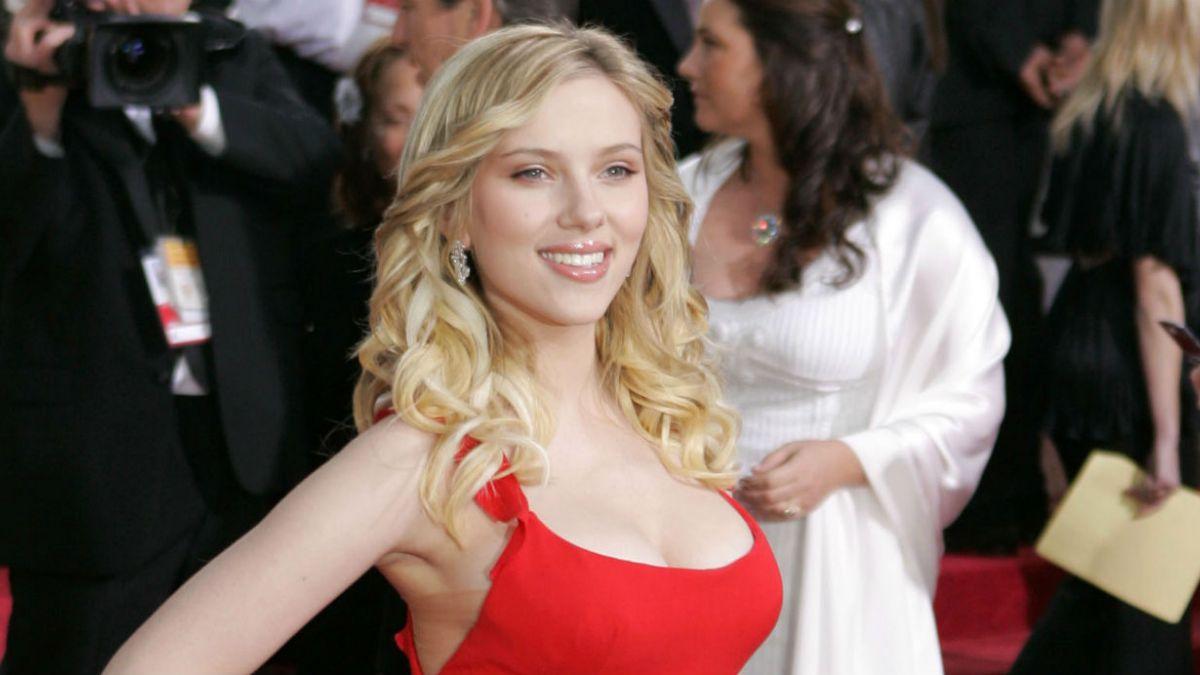 [FOTOS] Scarlett Johansson sorprende con nuevo look en la alfombra roja