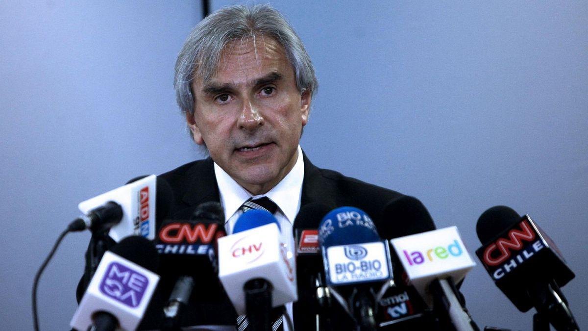 Moreira pone su cargo de vicepresidente de la UDI a disposición de la mesa directiva