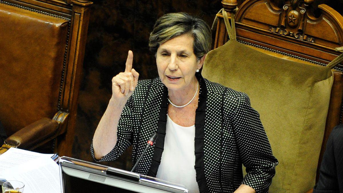 Presidenta del Senado pedirá incluir destitución para parlamentarios que cometan irregularidades