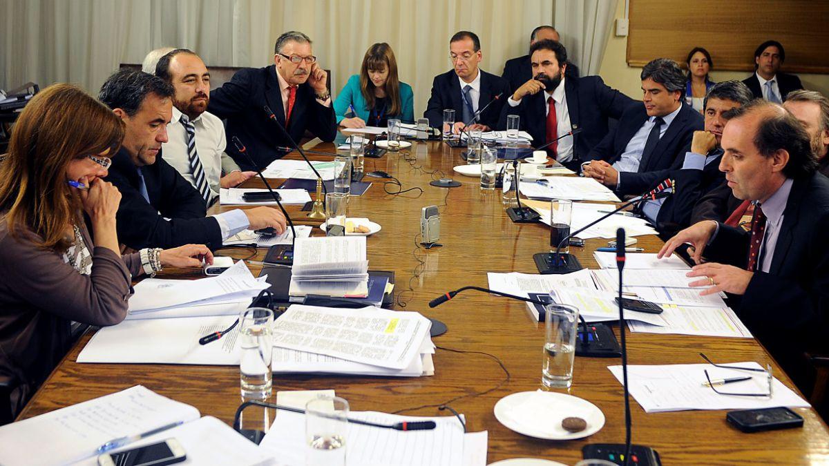 Comisión Penta reinicia sesión sin presencia de asesores de políticos invitados