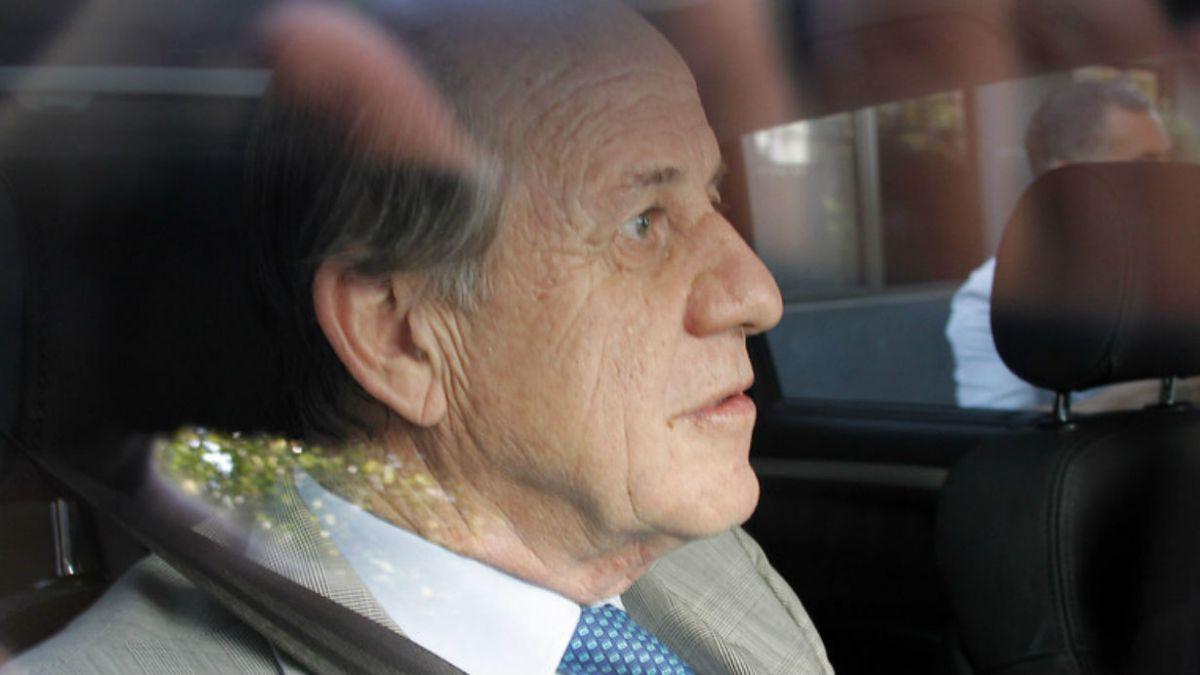 Juez determina que Délano y Lavín deberán presentarse a juicio con Hugo Bravo