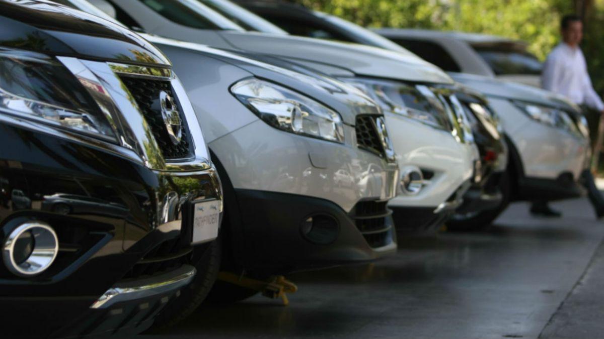 Ventas de autos nuevos cayeron 10,4% en 2014