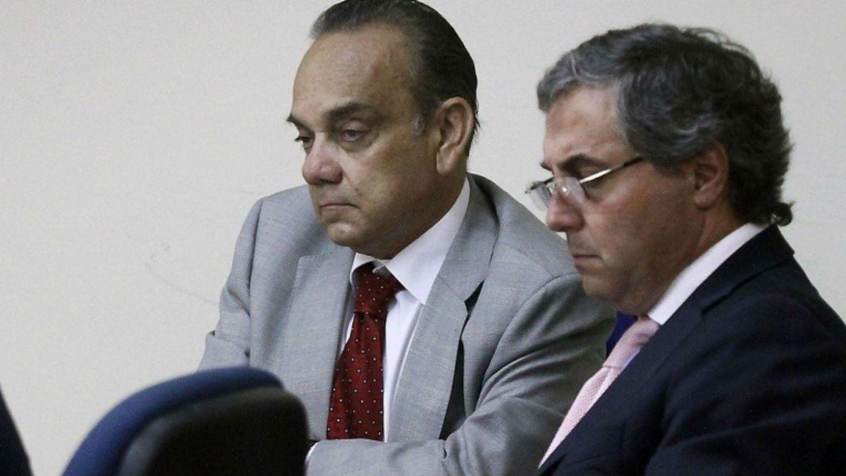 Abogado de Bravo y ausencia de Délano y Lavín: El tribunal debe ponderar el que no hayan venido