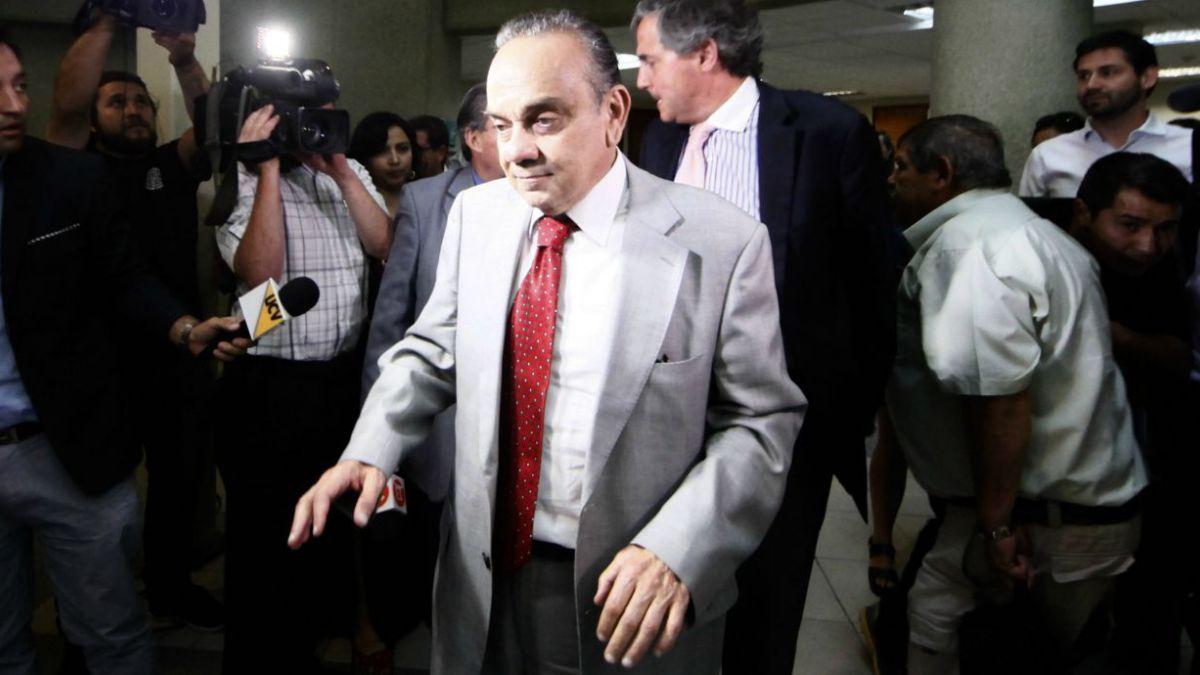 """Bravo dice que Lavín le pidió no hablar con Fiscal por """"movida para llegar al ministro del Interior"""