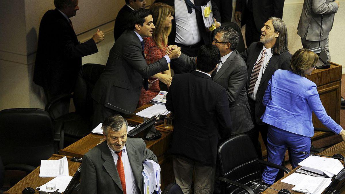 Senado aprueba reforma electoral que pone fin al sistema binominal