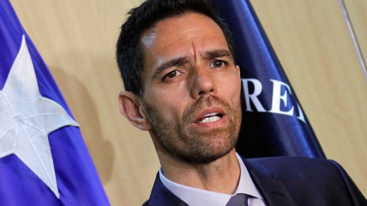 Subsecretario Frey arremete contra programa de seguridad de Piñera tras informe de Contraloría