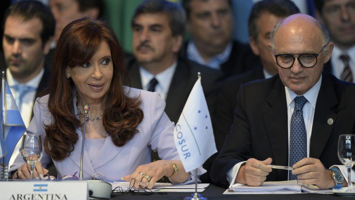 Fiscal pide indagar y embargar a Presidenta argentina