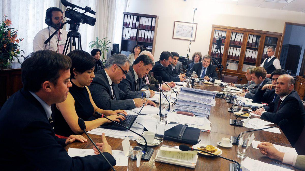 Comisión de Hacienda de la Cámara Baja despacha a sala proyecto de Pacto de Unión Civil