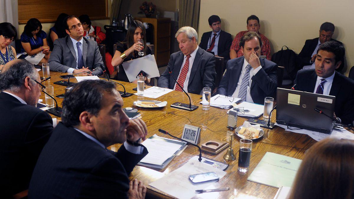 Comisión investigadora del caso Penta confirma lista de invitados