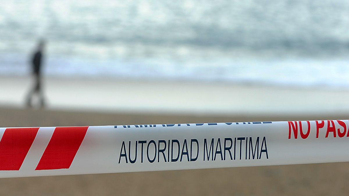 Seremi de Salud cierra playas de Chañaral por presencia de Fragata Portuguesa
