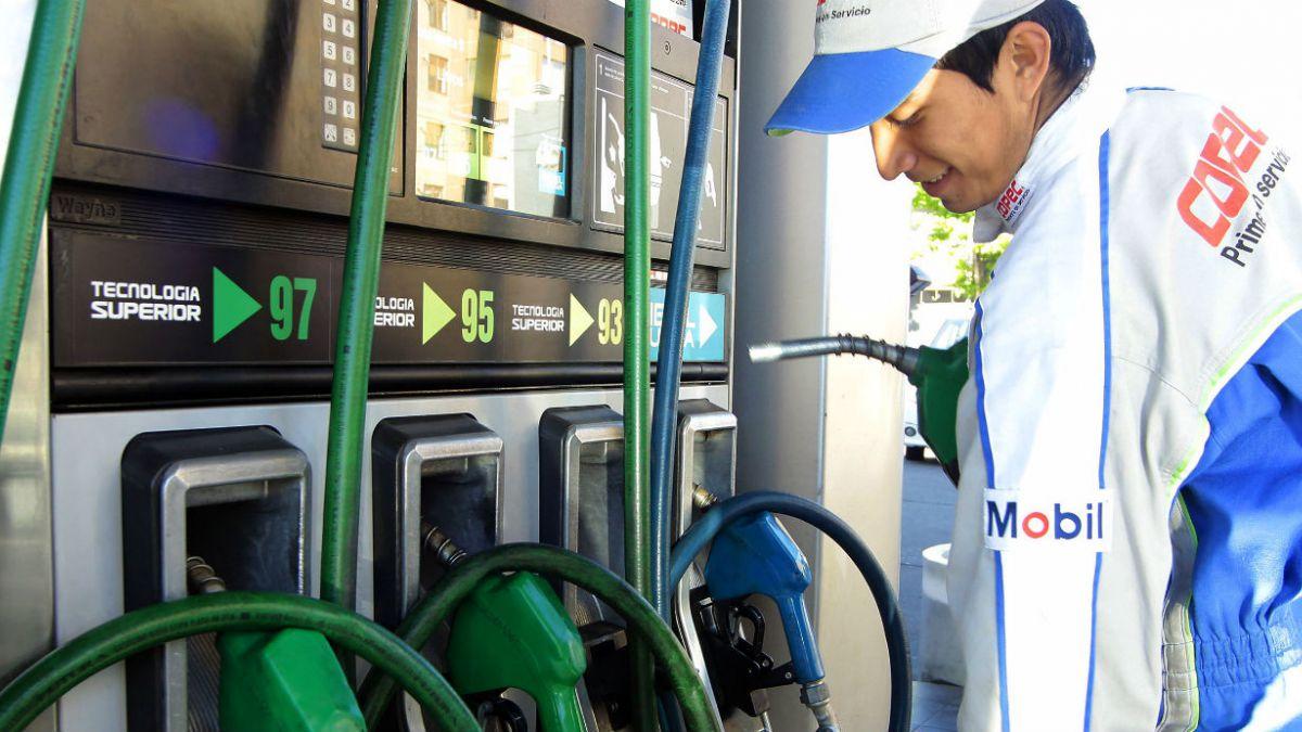 ¿A quién beneficia en Chile la drástica caída en los precios del petróleo?