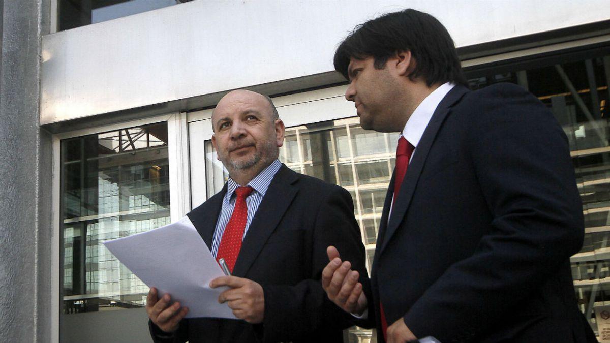 Comisión por hospitales solicita acciones legales contra Mañalich