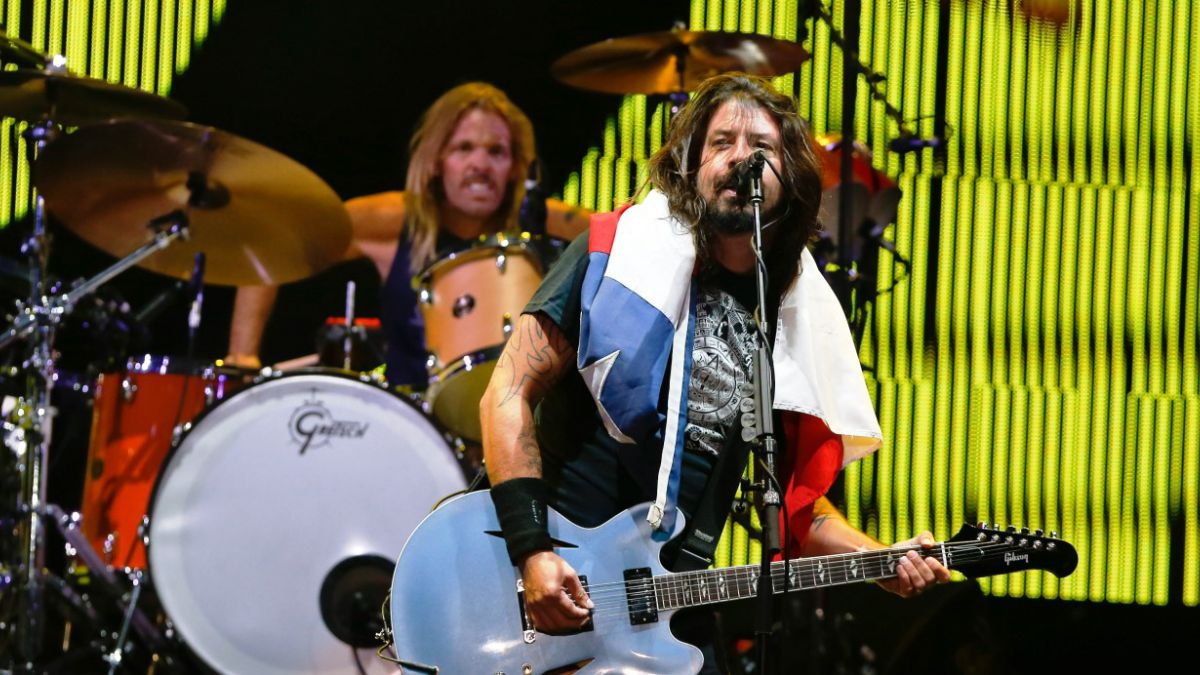 Foo Fighters ofrece potente show con casi tres horas de música
