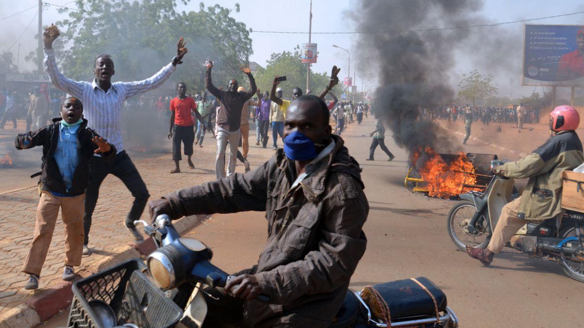 Nuevos disturbios en países musulmanes contra caricatura de Mahoma en Charlie Hebdo