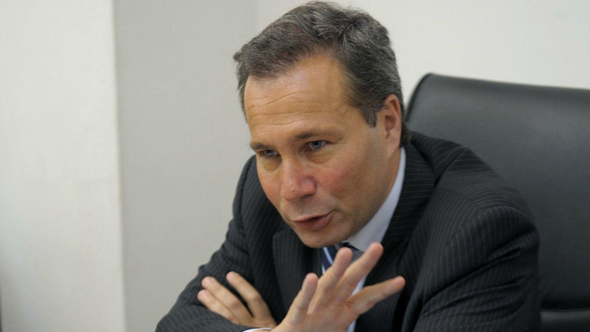 Nisman: Descartan que fiscal haya tenido trazos de pólvora en sus manos
