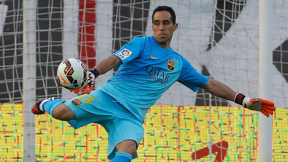 Una sana costumbre: Claudio Bravo mantuvo su arco invicto en la victoria del Barcelona