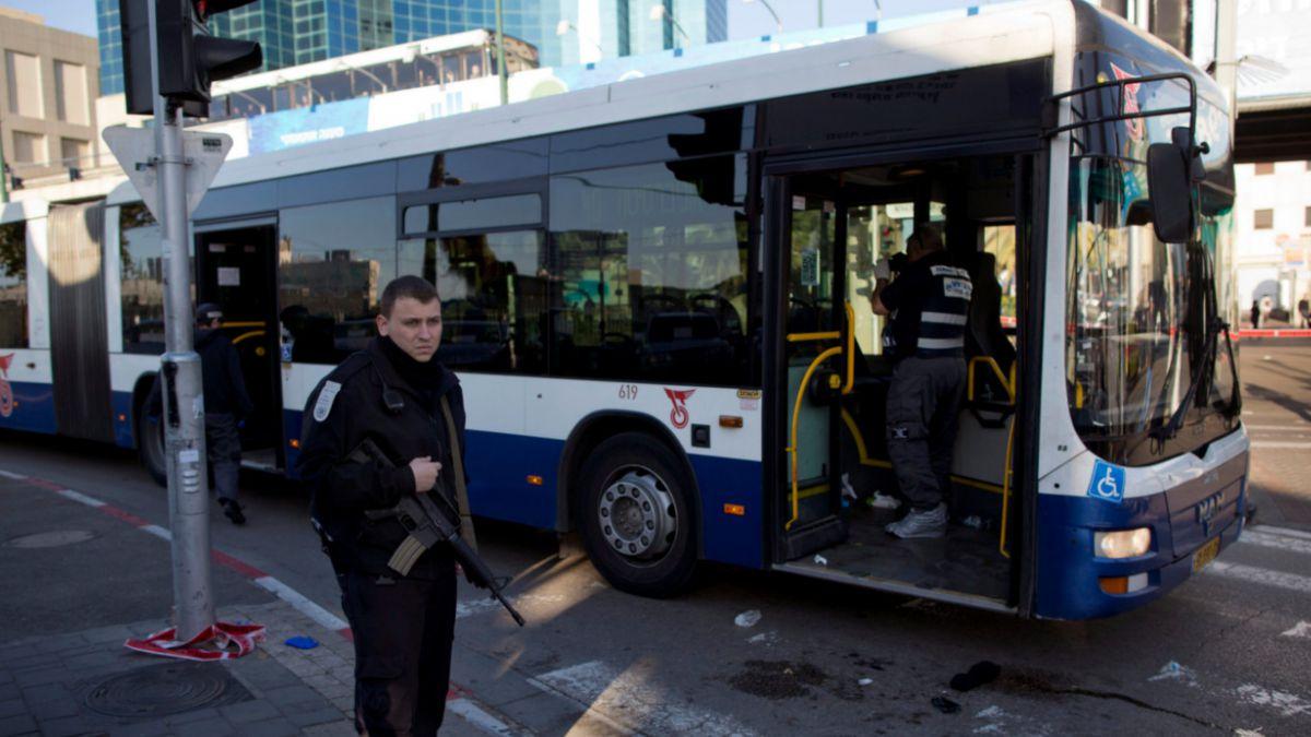 Tel Aviv: Ataque con cuchillo en bus deja al menos 12 heridos
