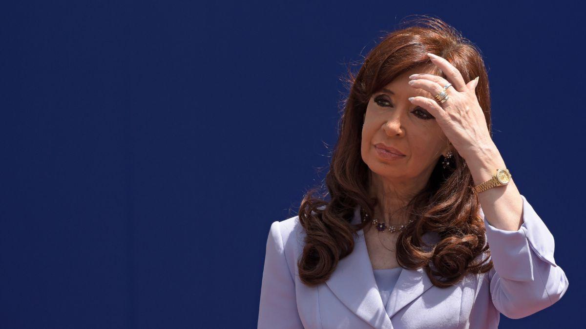 Nueva denuncia de encubrimiento enfrenta a fiscal con Cristina Fernández