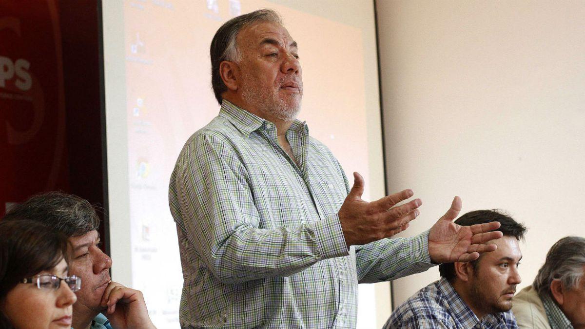 Osvaldo Andrade: Hoy ser político es una degradación