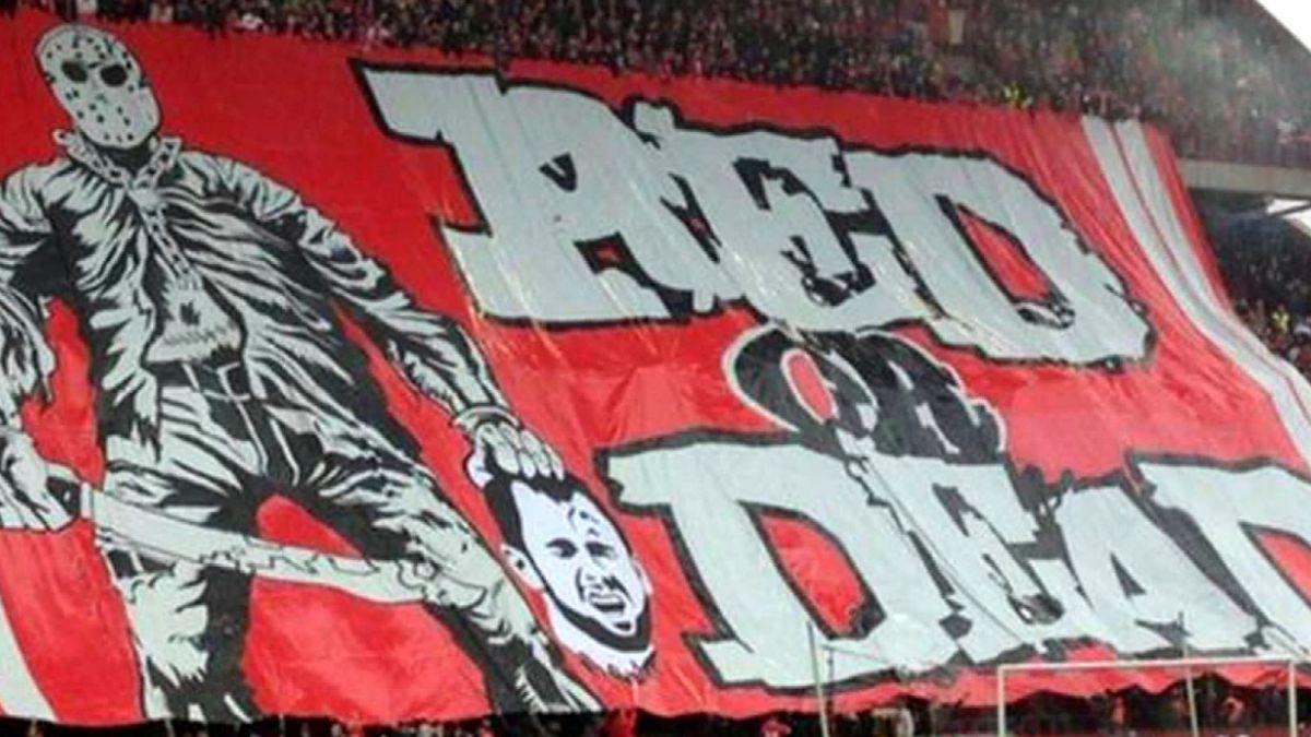 Polémica en fútbol belga por violenta bandera que muestra a jugador decapitado
