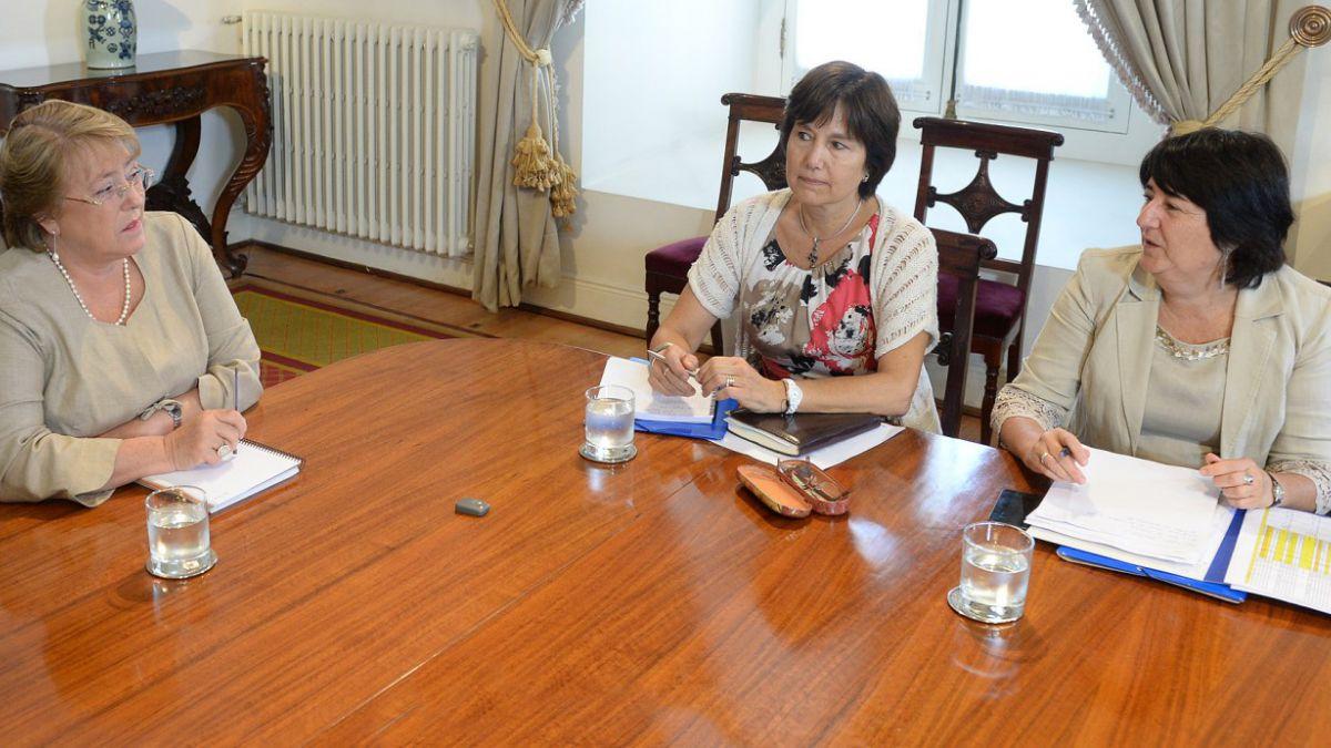 Aborto e isapres entre las prioridades tras cita de nueva ministra de Salud con Bachelet