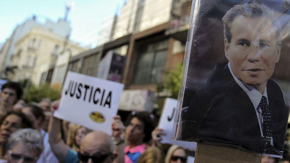 Periodista que reveló muerte de Nisman cuenta por qué salió de Argentina