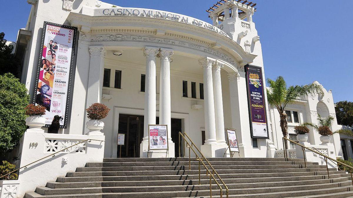 Casinos municipales aportan casi el doble a sus comunas que las concesiones privadas