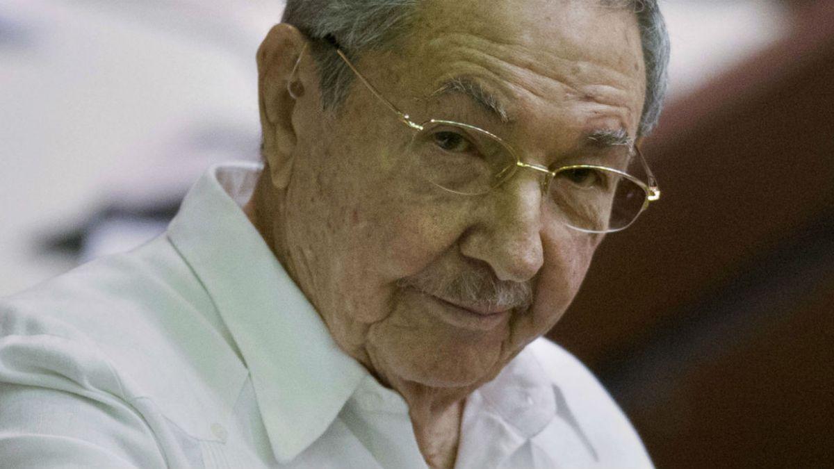 Raúl Castro llega a cumbre Celac marcada por descongelamiento entre Cuba y EE.UU.