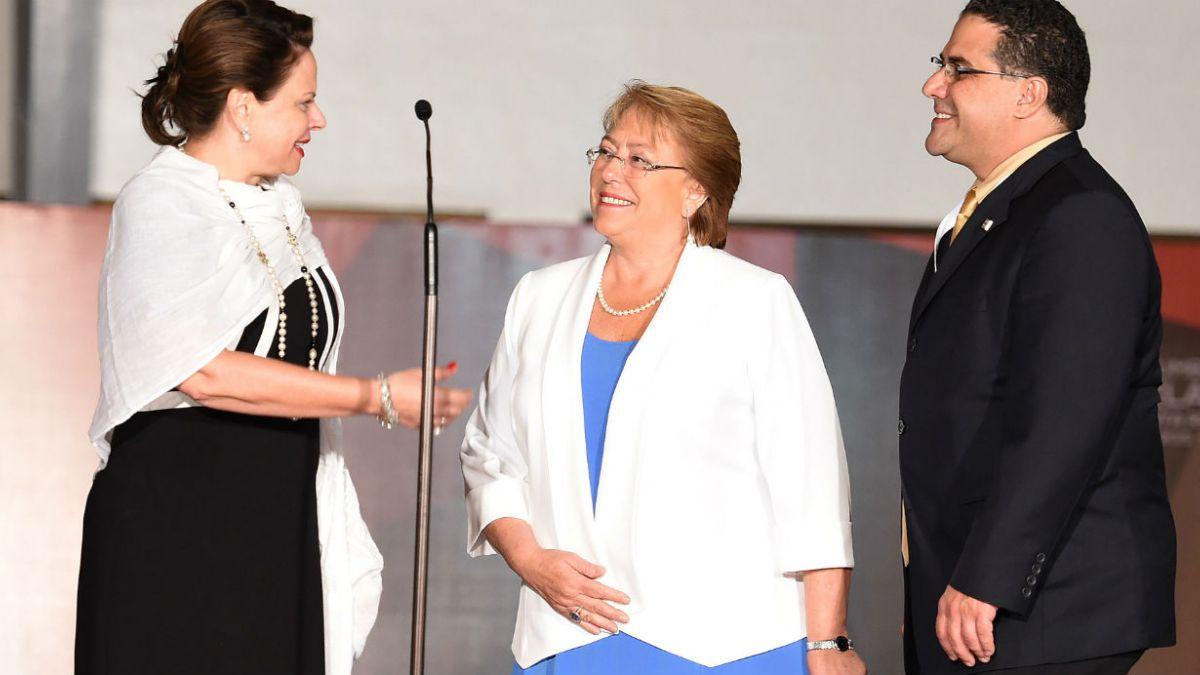 Bachelet llega a Costa Rica para participar en III Cumbre de la CELAC