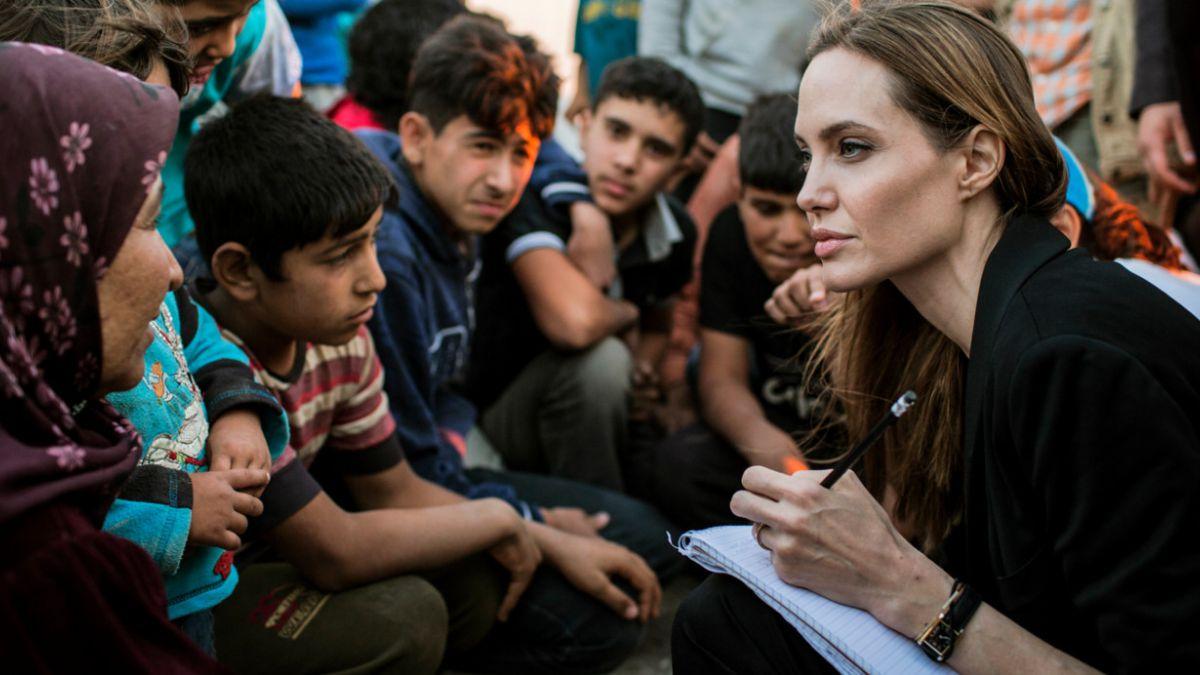 La emotiva columna en que Angelina Jolie pide ayuda para los refugiados en Siria e Irak