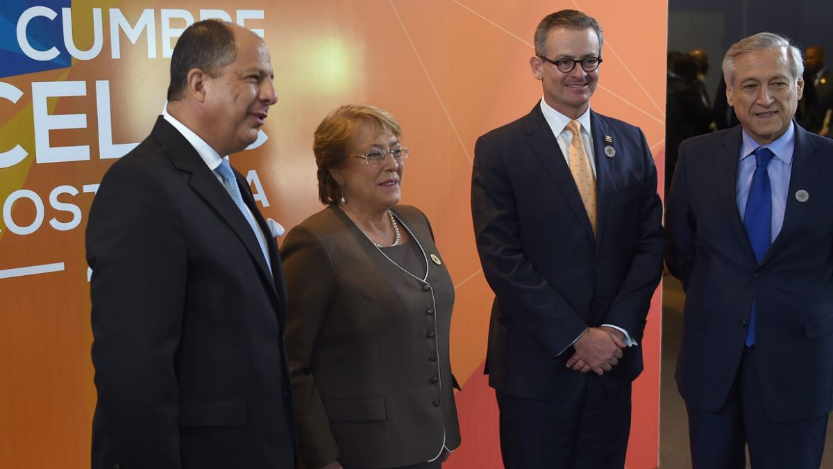 Bachelet destaca avance de reforma educacional ante Celac
