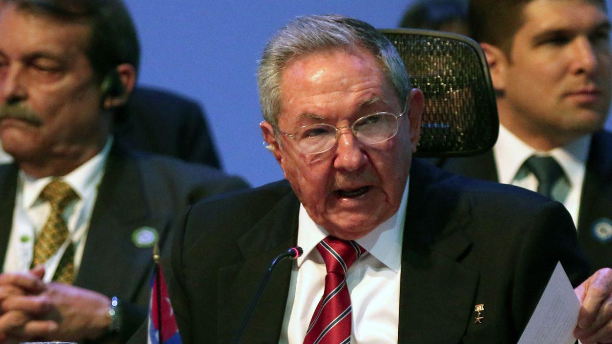 Raúl Castro exige fin del bloqueo a EE.UU. para normalizar relaciones