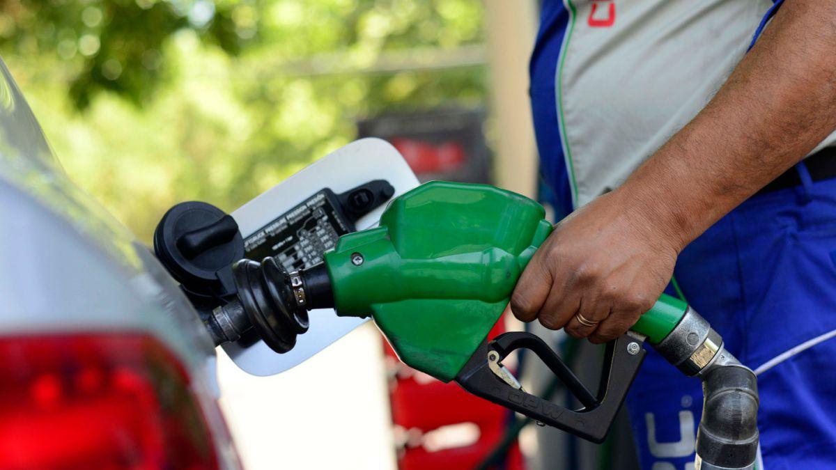 Econsult: Bencinas subirían de precio hasta 14 pesos el 10 de septiembre