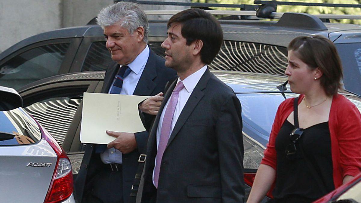 Caso Penta: CDE resuelve querellarse contra Délano y Lavín por soborno