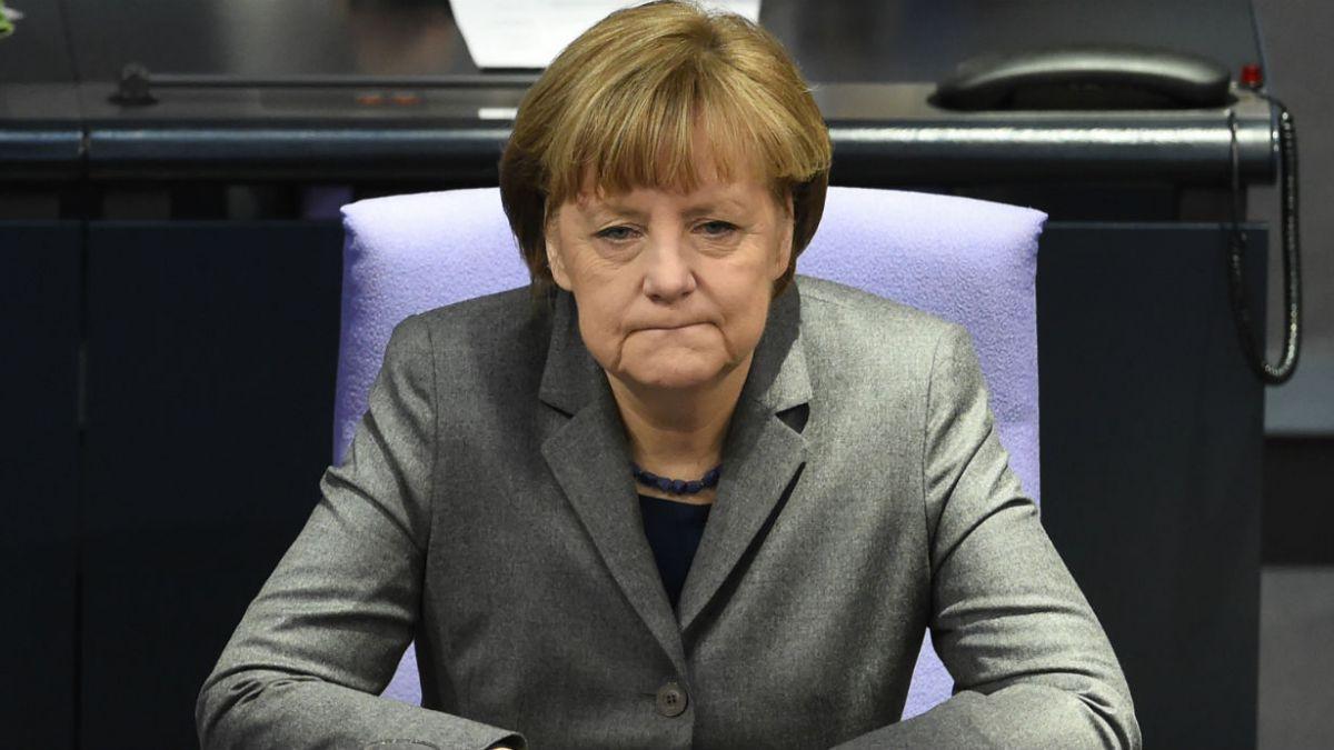 Merkel llega a Turquía para intentar frenar la ola de refugiados